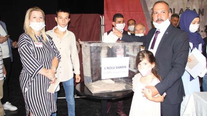 Ahmet Yalıçınöz YENİDEN BAŞKAN!
