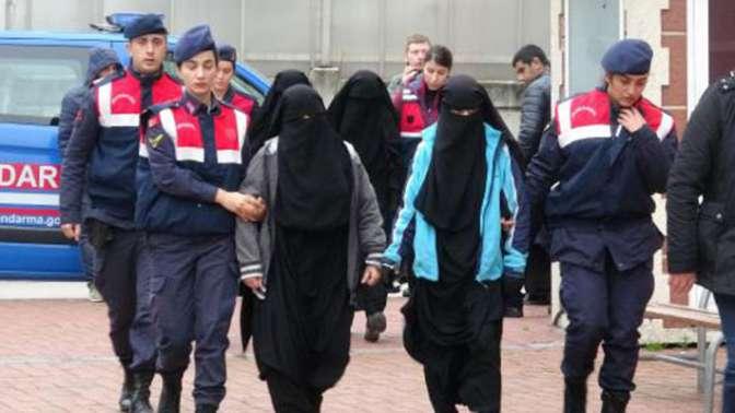 DEAŞ şüphelisi 4 kadın, operasyonla yakalandı