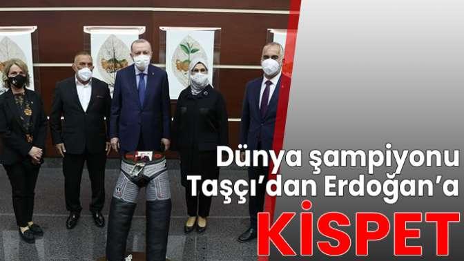 Erdoğana kispet hediye etti.