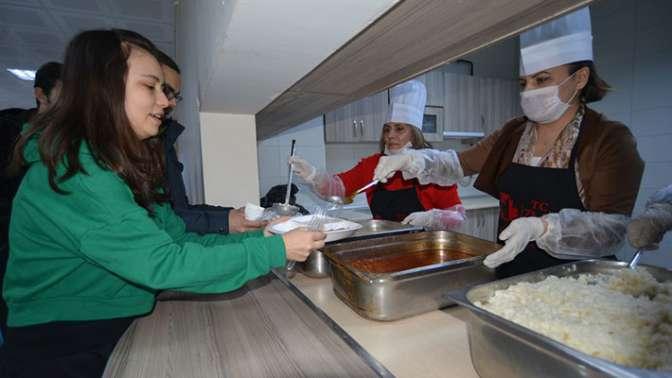 İzmit projeyi sahiplendi: Anne Eli'ne yemek firmalarından destek