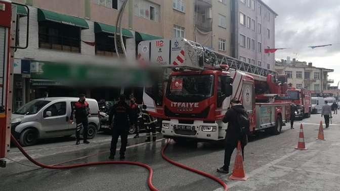 Restoranda çıkan yangın korkuttu