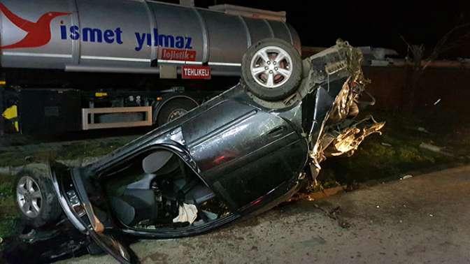 Otomobil, tankere çarpıp takla attı: 1 ölü, 2 yaralı
